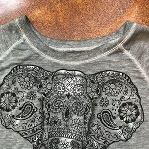 Well Worn Tops - Well Worn Lightweight Sweatshirt-Style T-Shirt M